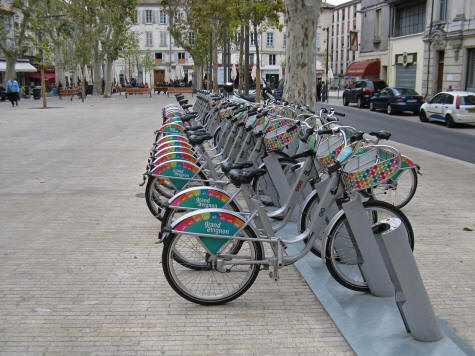 Cycling in Avignon France