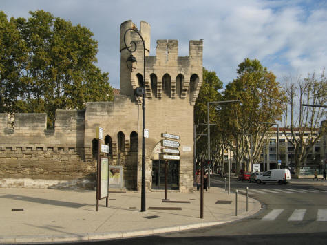 Avignon city gates porte de la republique - Porte saint dominique avignon ...