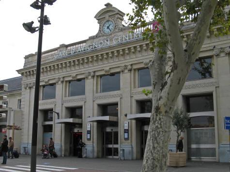 train stations in avignon france. Black Bedroom Furniture Sets. Home Design Ideas